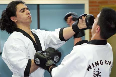 Wing Chun stoten zijn verraderlijk snel